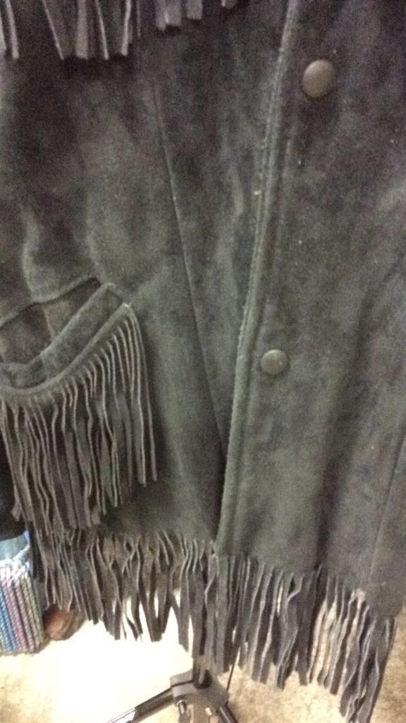 Vintage Ladies Black Suede Fringed Jacket - 4