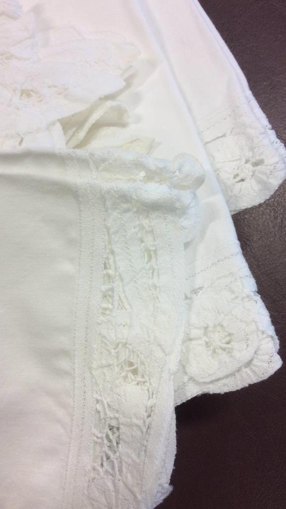 Group Lot Vintage Linens - 4