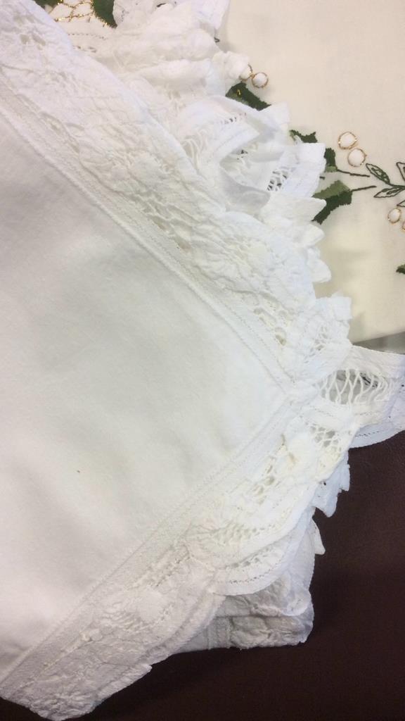 Group Lot Vintage Linens - 6