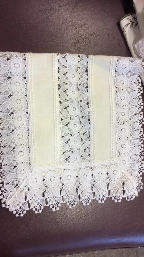 Group Lot Vintage Linens - 8