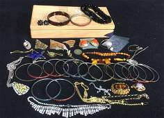 Group Lot Vintage & Costume Jewelry