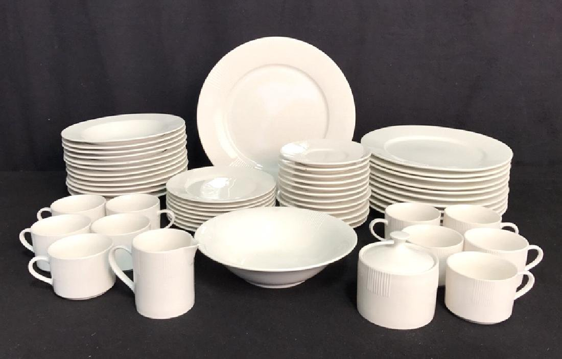 56 Piece MAJESTICWARE BY ONEIDA Set
