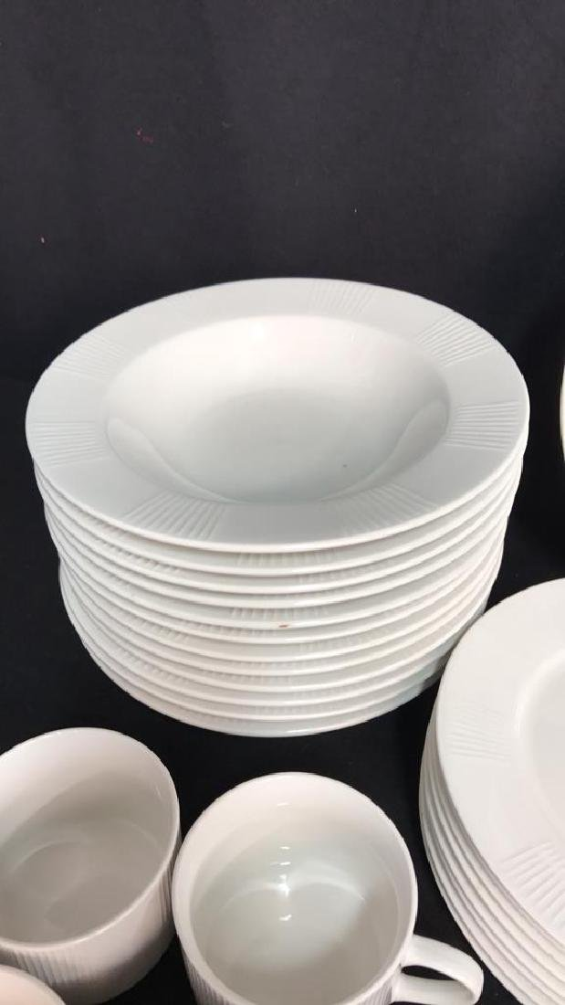 56 Piece MAJESTICWARE BY ONEIDA Set - 5