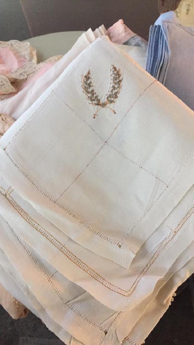 Group Lot Vintage Table Cloths & Napkins - 2