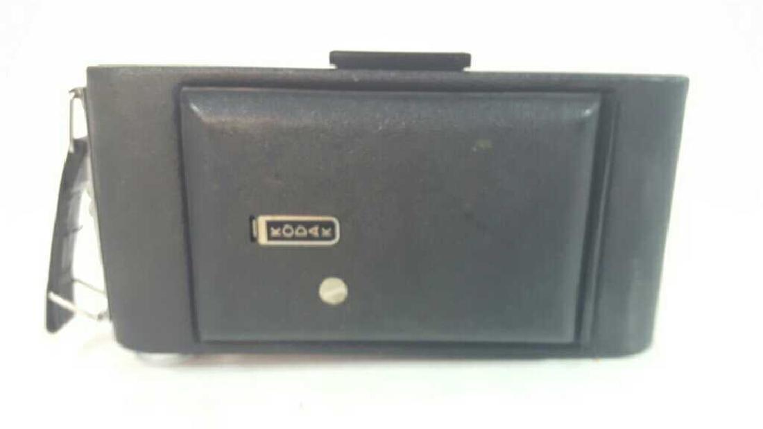 Kodak Vigilant Junior Six-16 Camera - 8