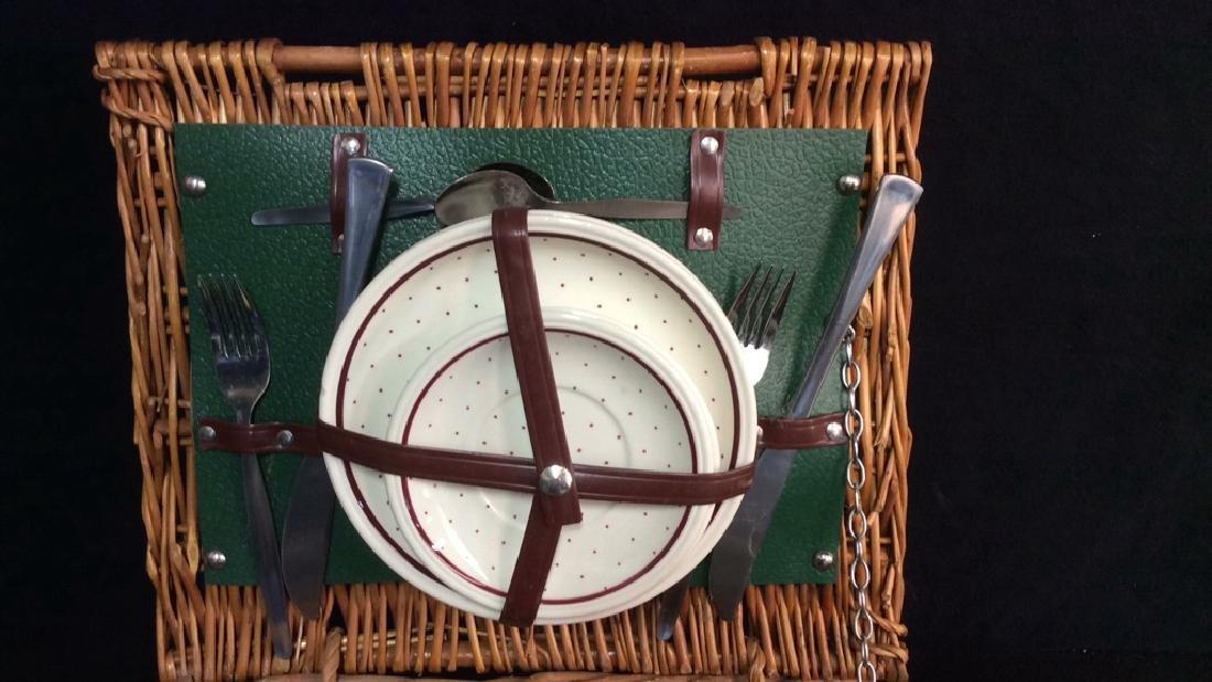 Vintage English Picnic Basket With Settings Vintage - 2