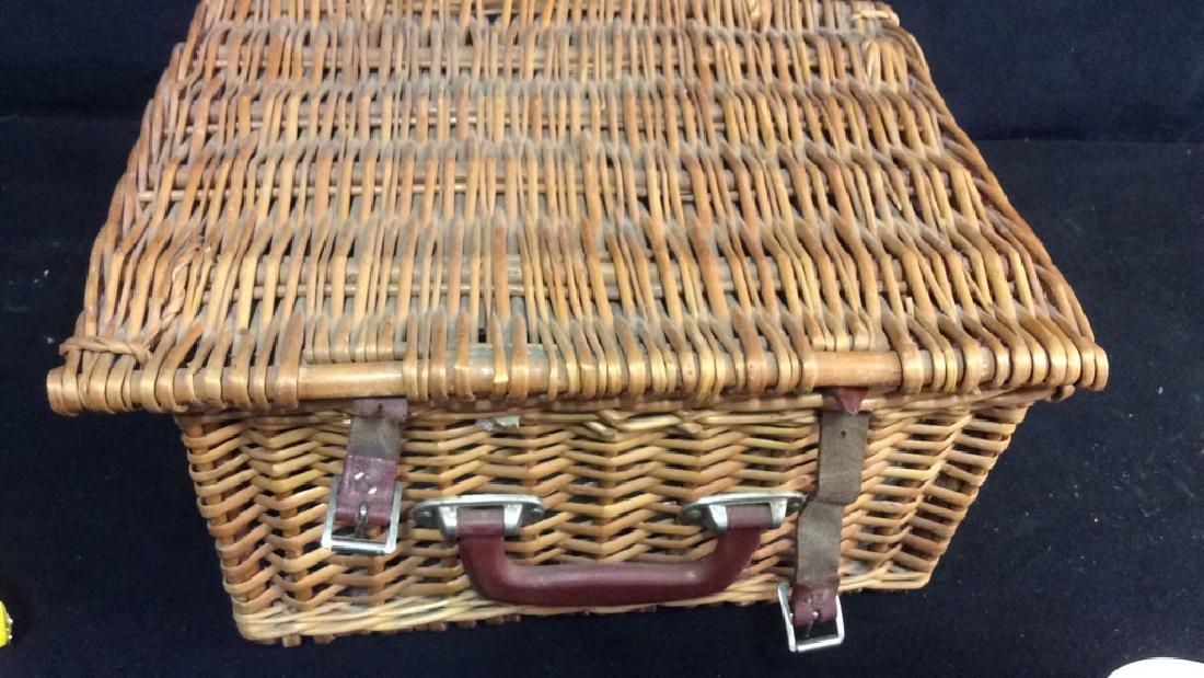 Vintage English Picnic Basket With Settings Vintage - 6