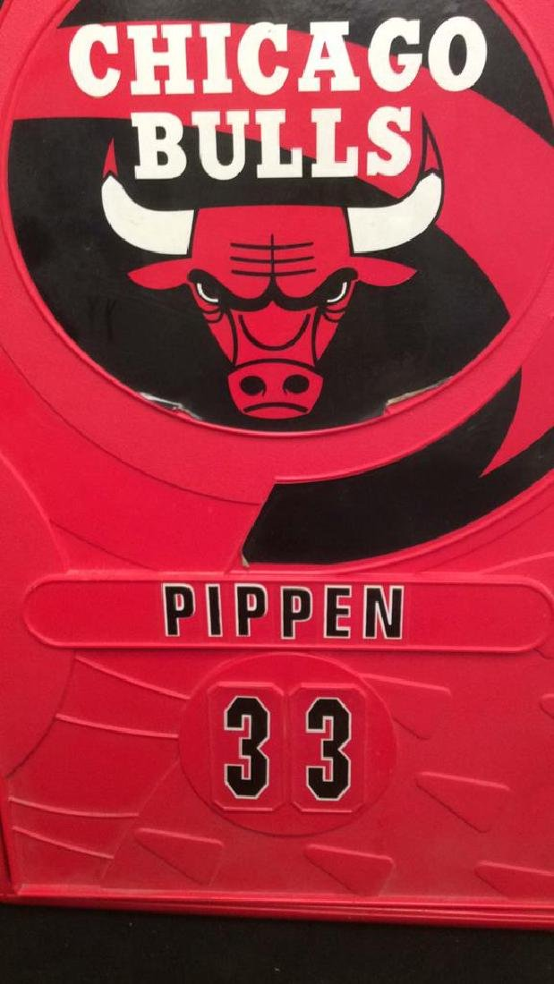Mini Chicago Bulls Pippin 33 Storage Locker Red plastic - 3