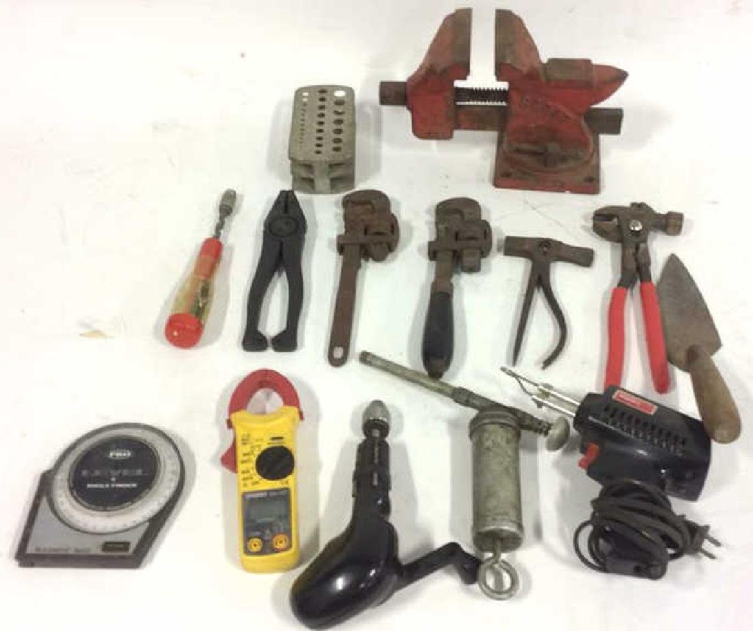 Woodworking Tools Group Lot This Group Lot consists of