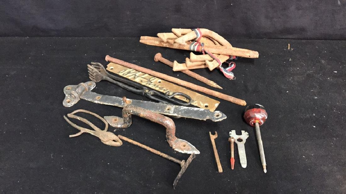 Group Lot Vintage Tools Group Lot Vintage Tools and - 2