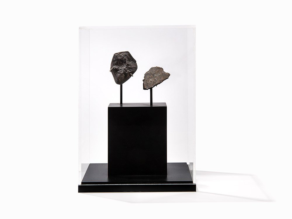 Complete Juancheng Meteorite with Complete Slice, China