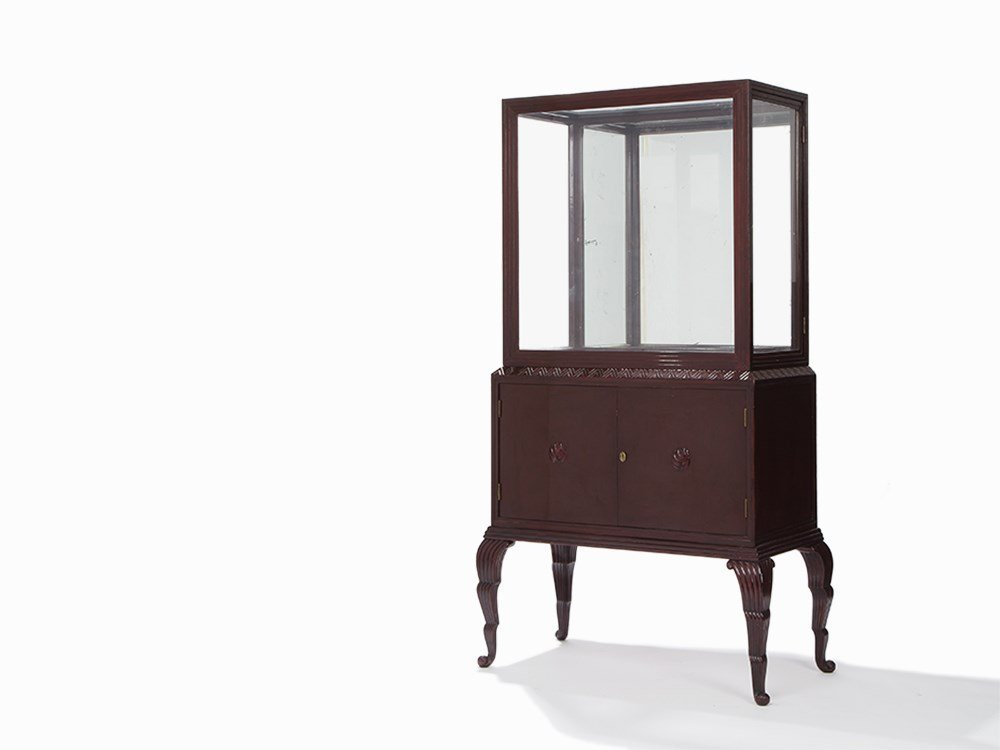 Otto Prutscher Polished and Stained Oak Vitrine, circa
