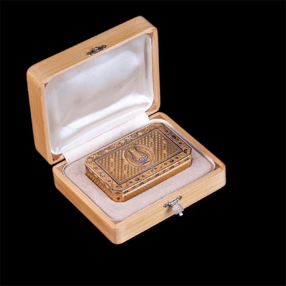 18th century Swiss gold snuff box with harp