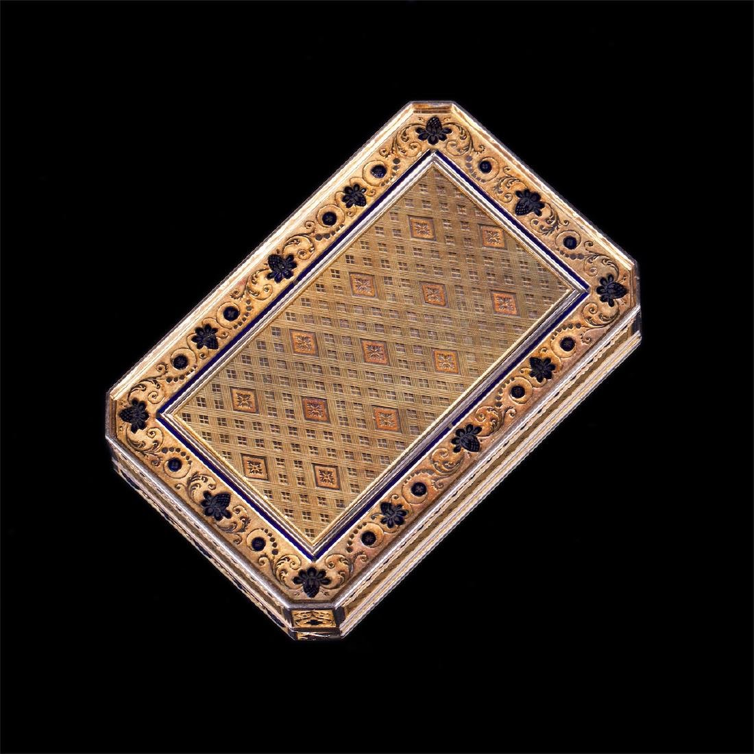 18th century Swiss gold snuff box with harp - 3