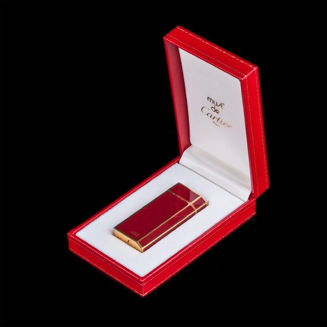 "Vintage lighter ""Must De Cartier"" in original box"