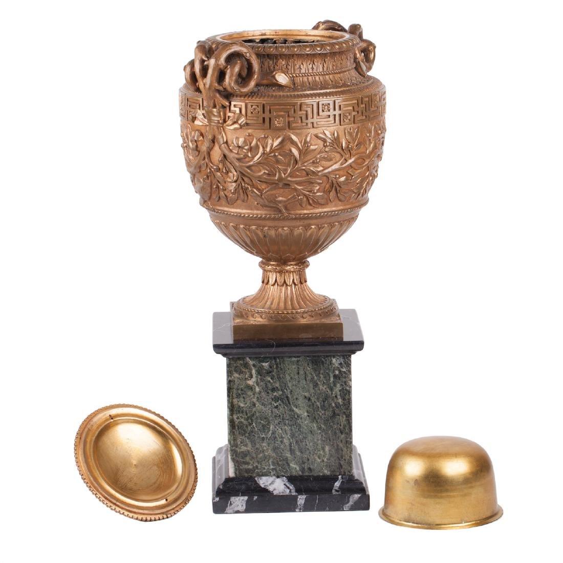 Impressive Italian bronze vase by B. Bochetti - 3