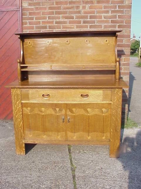 4020: Arts & Crafts Glasgow School oak sideboard