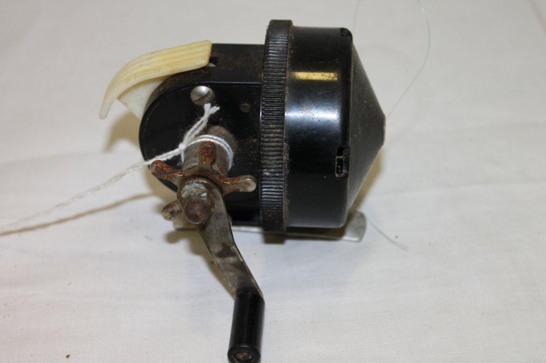 Vintage Johnson 088 Push Button Fishing Reel - 2