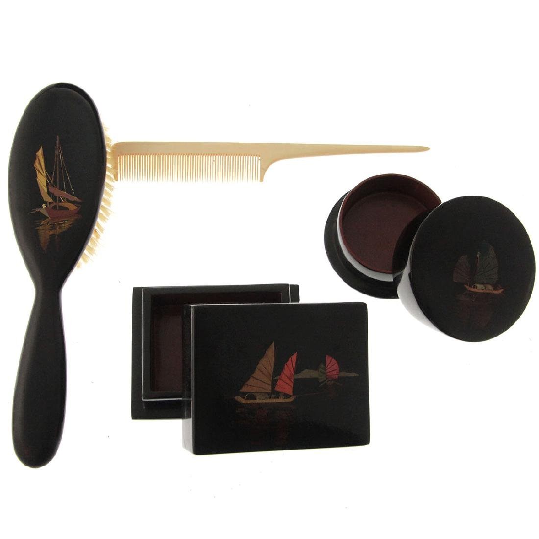 Chinese Lacquered Grooming Kit. - 4