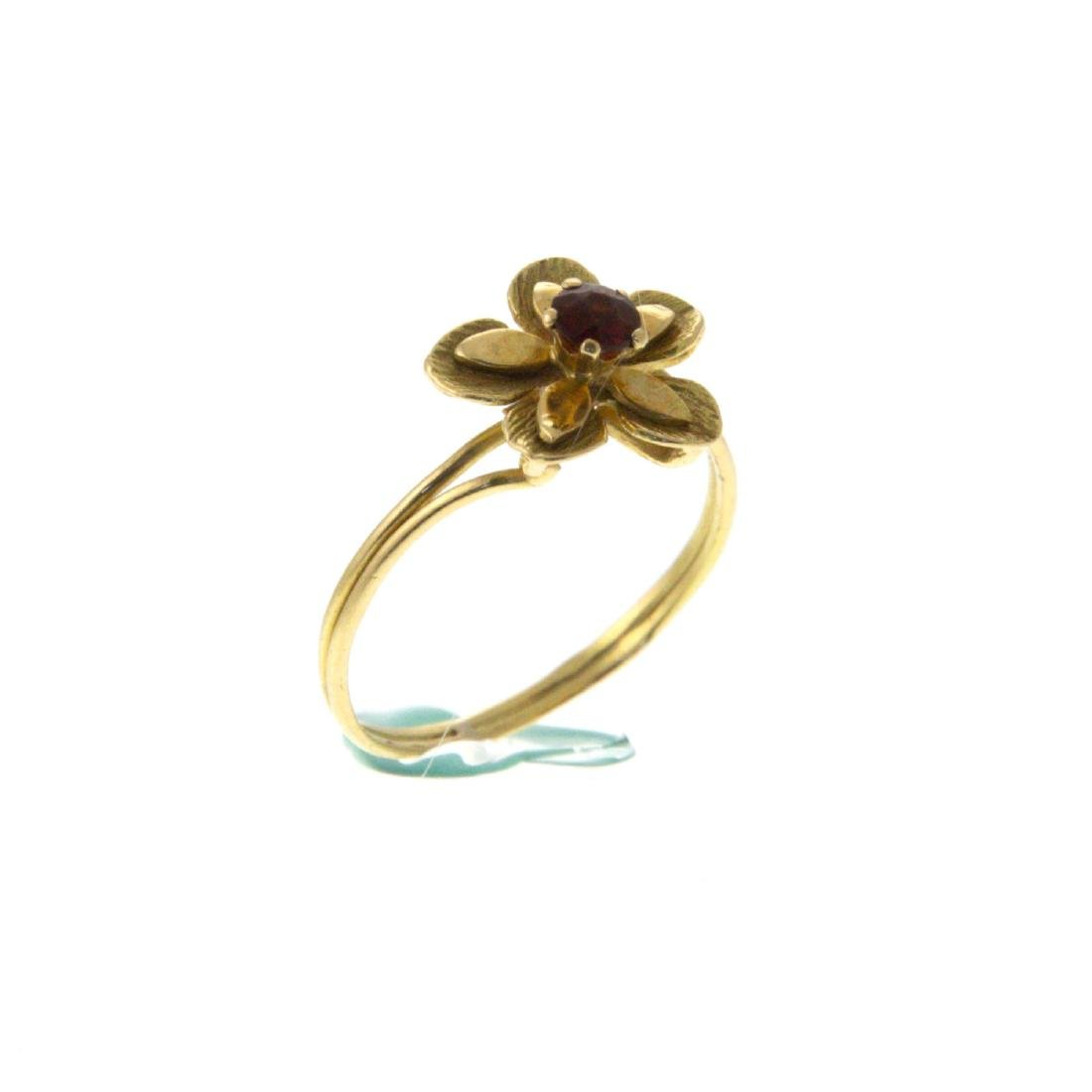 18k Yellow Gold Flower Ring. - 3