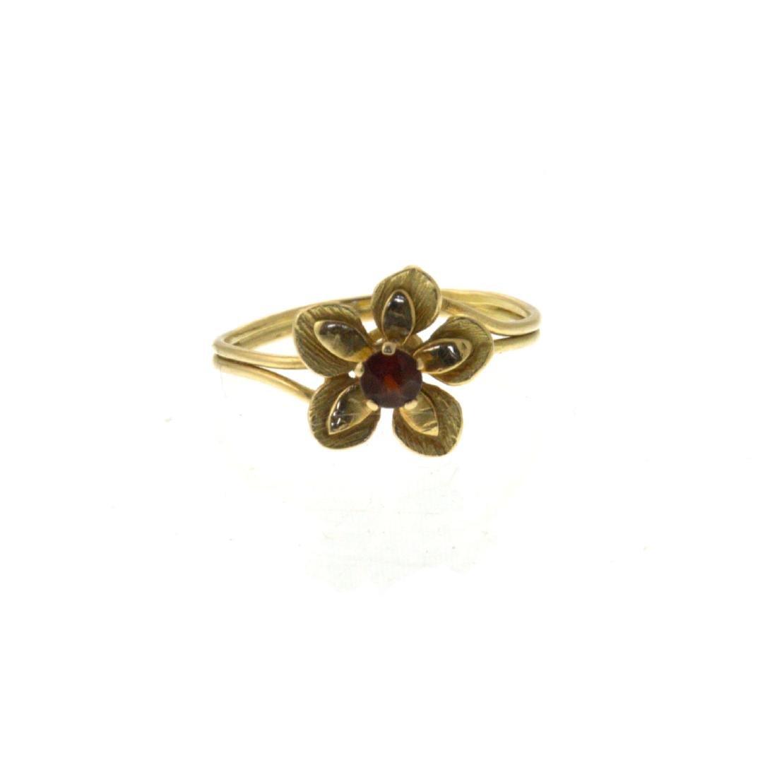 18k Yellow Gold Flower Ring. - 4