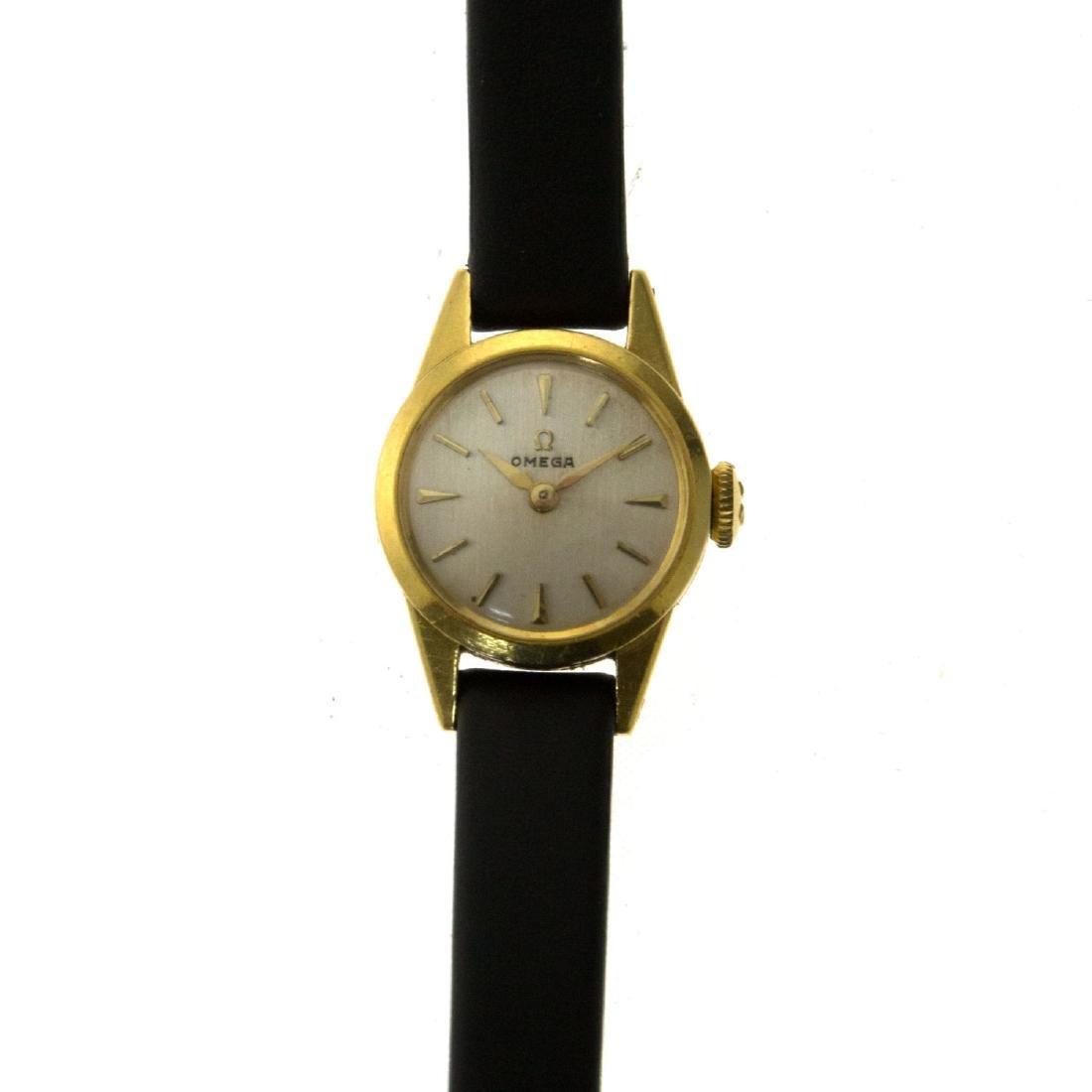 Omega 18k Yellow Gold Ladies Wrist Watch.