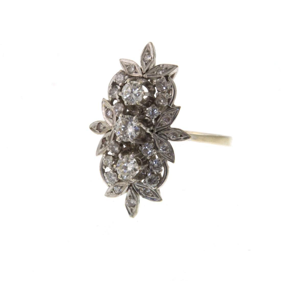 Impressive 14k White Gold 1.08ct Diamond Ring. - 3