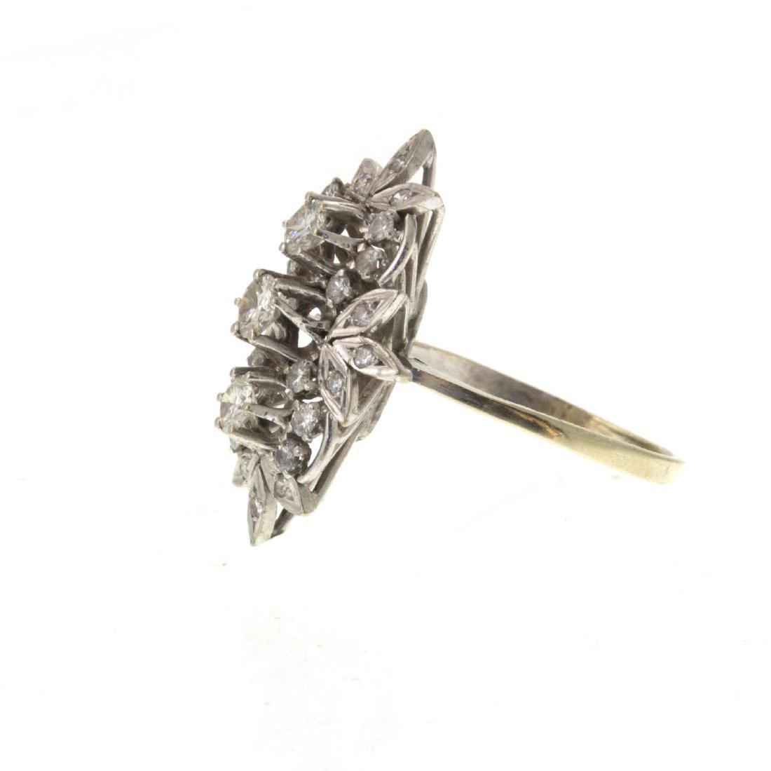Impressive 14k White Gold 1.08ct Diamond Ring. - 4