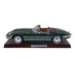 Jaguar E-Type 1971 Scale Model.
