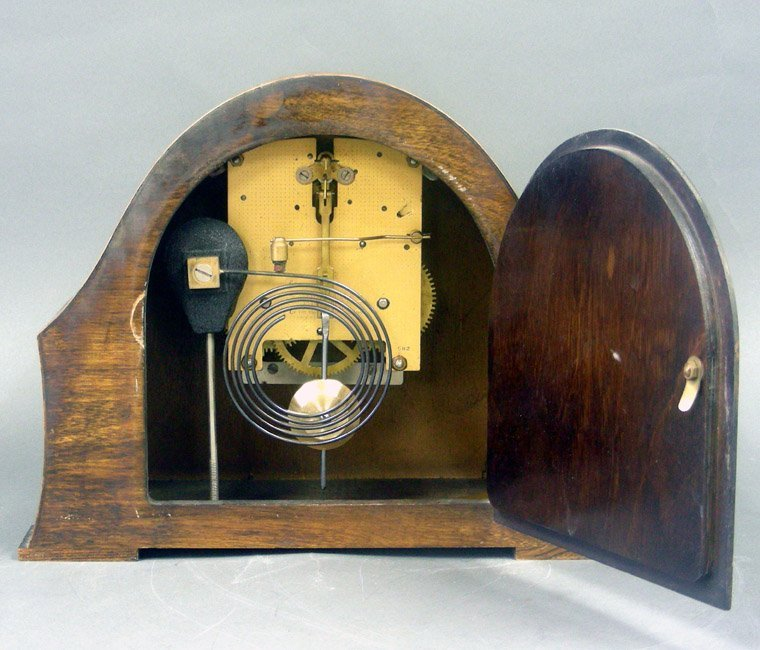 Art Deco Enfield Oak Wood Mantel Clock, England, 1930s. - 2