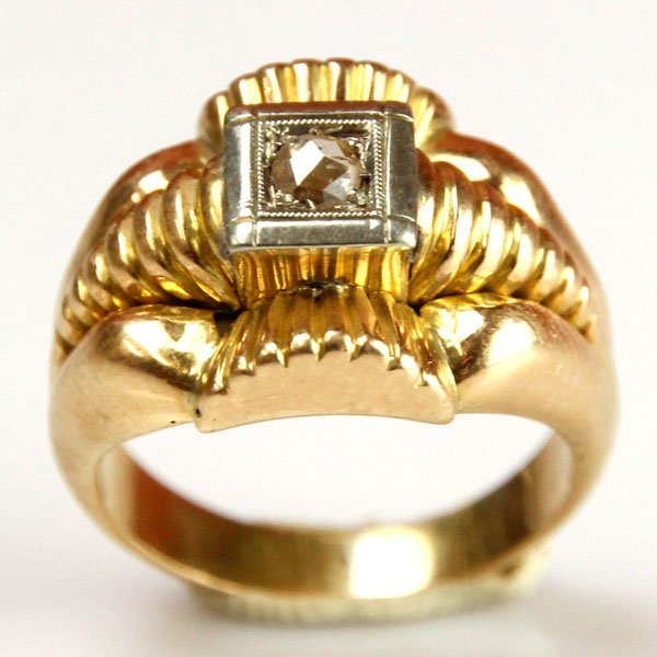 Vintage 18k Yellow Gold and Diamond Ring.