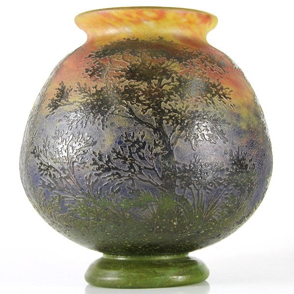 Daum Nancy Cameo Glass Vase, France, Circa 1900.