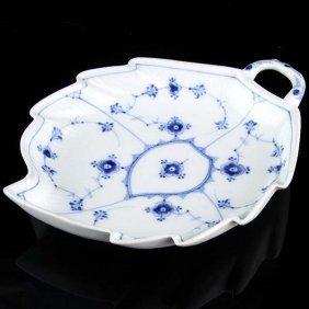 Royal Copenhagen Porcelain Leaf Bowl, 1894-1900.
