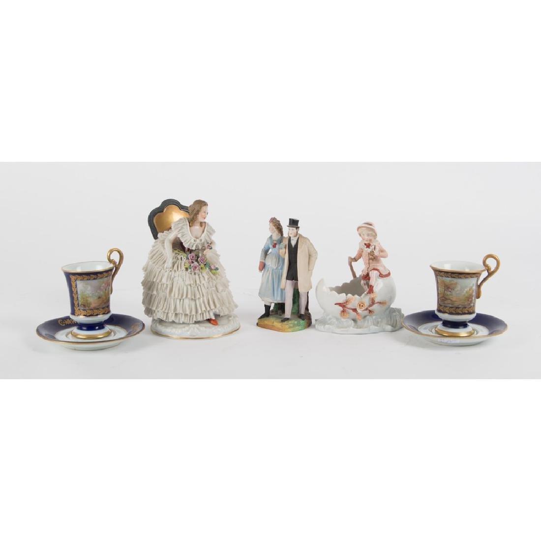 LOTTO composto da coppia TAZZE in porcellana di Sevres