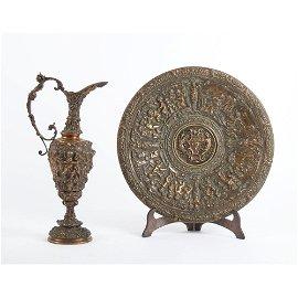 VERSATOIO con PIATTO in bronzo riccamente lavorato a