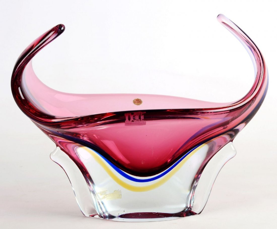 VASO in vetro Murano.  XX secolo  Misure: h cm 30