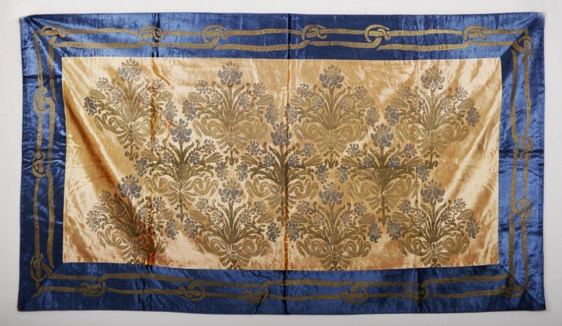 ARAZZO in velluto di seta color blu ed ocra a motivi