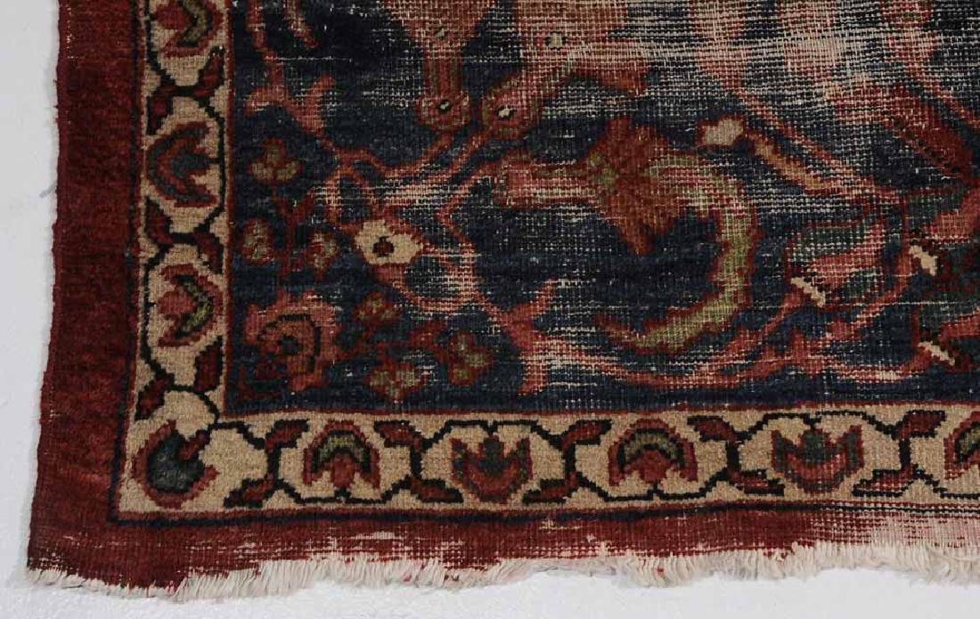 Antique Sarouk Carpet - 3