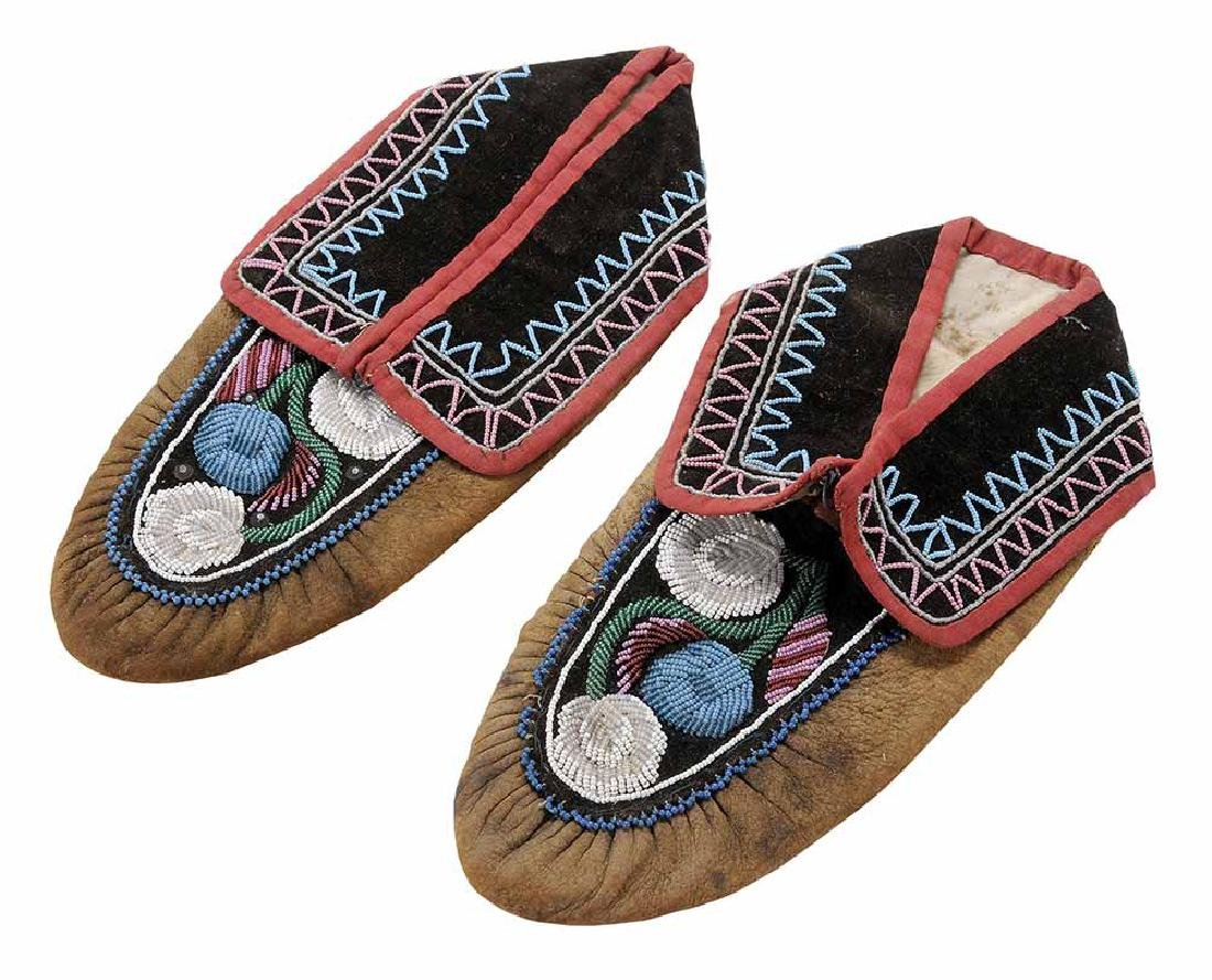 Pair Native American Beaded Moccasins