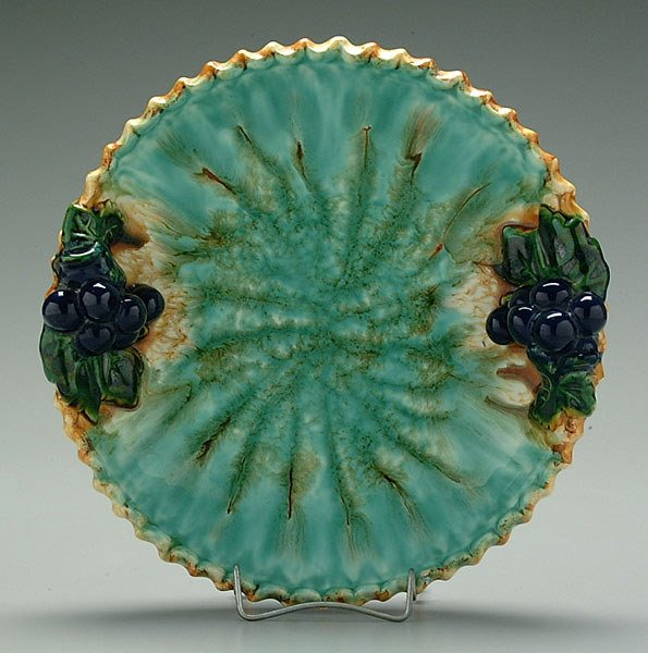 2: Majolica serving dish with grapes,