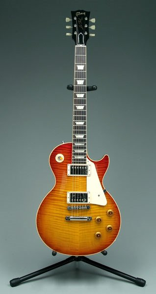 711: Gibson Les Paul electric guitar,