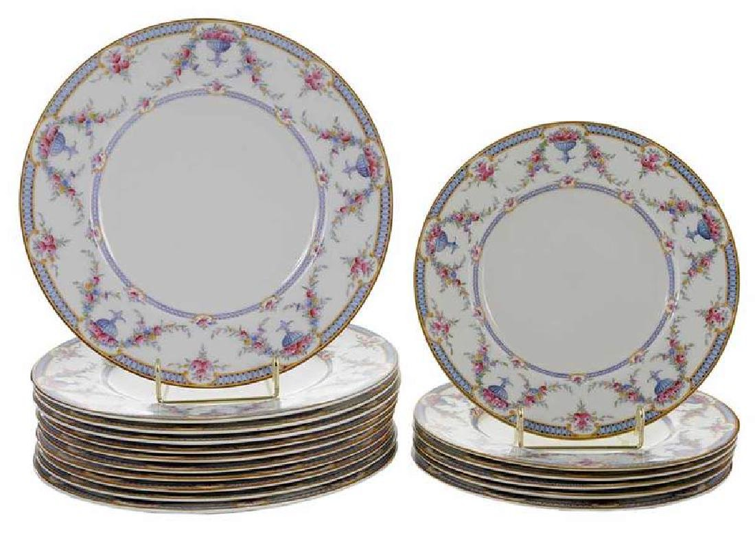 17 Royal Worcester Rosemary Plates