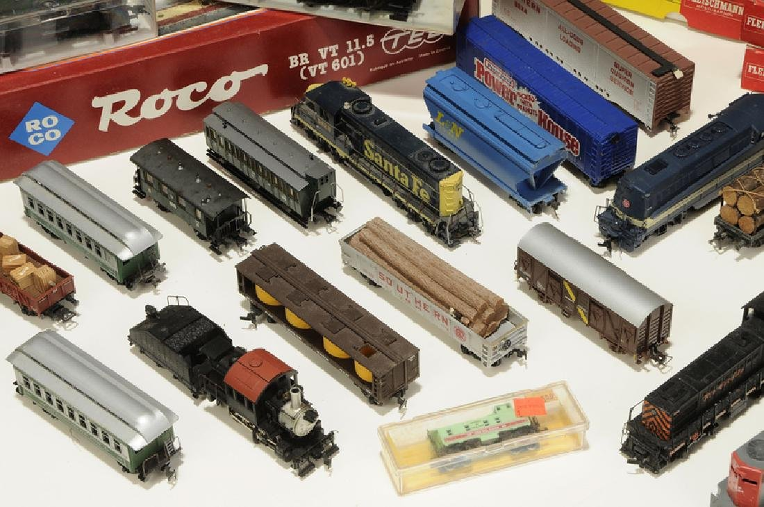 Large Group of Model Trains and Accessories - 3