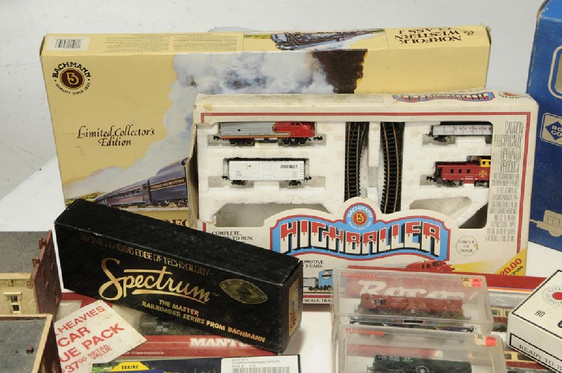 Large Group of Model Trains and Accessories - 4