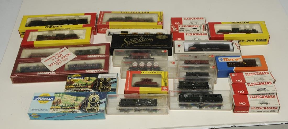 Large Group of Model Trains and Accessories - 7