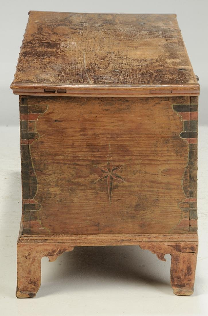 Pennsylvania Chippendale Decorated Blanket Chest - 7