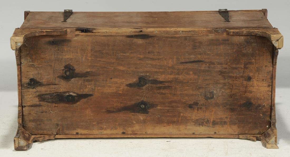 Pennsylvania Chippendale Decorated Blanket Chest - 9