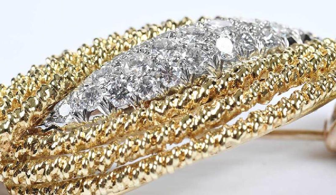 18kt. Diamond & Sapphire Brooch - 9
