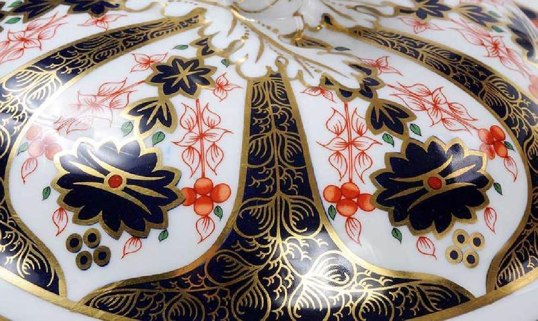 Royal Crown Derby Tureen - 7