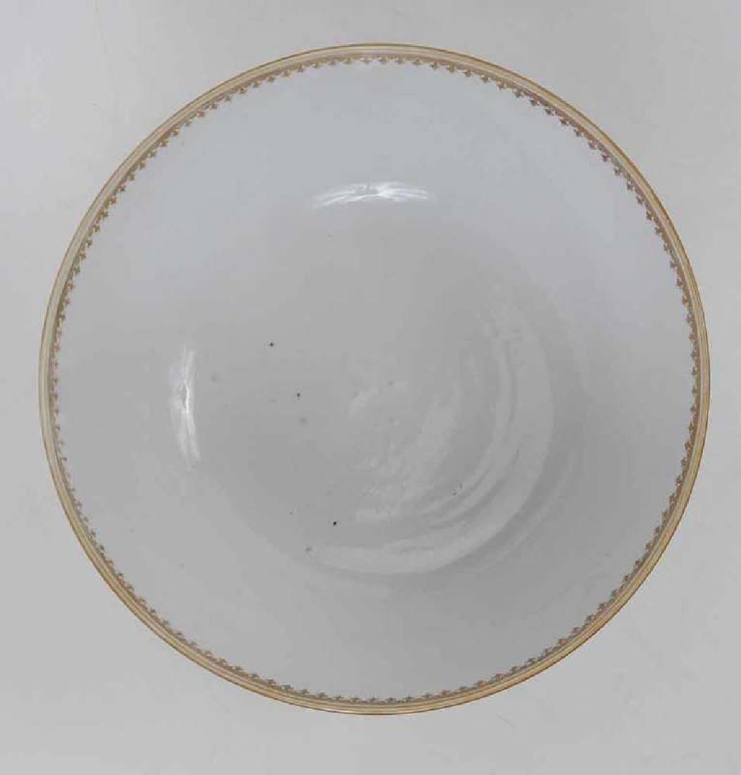 Three Chinese Export Bowls - 9